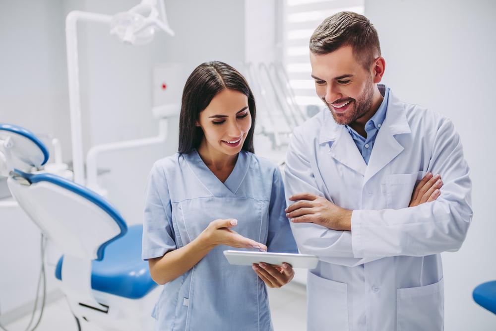 brosura clinica stomatologica, brosura cabinet stomatologic, marketing stomatologic