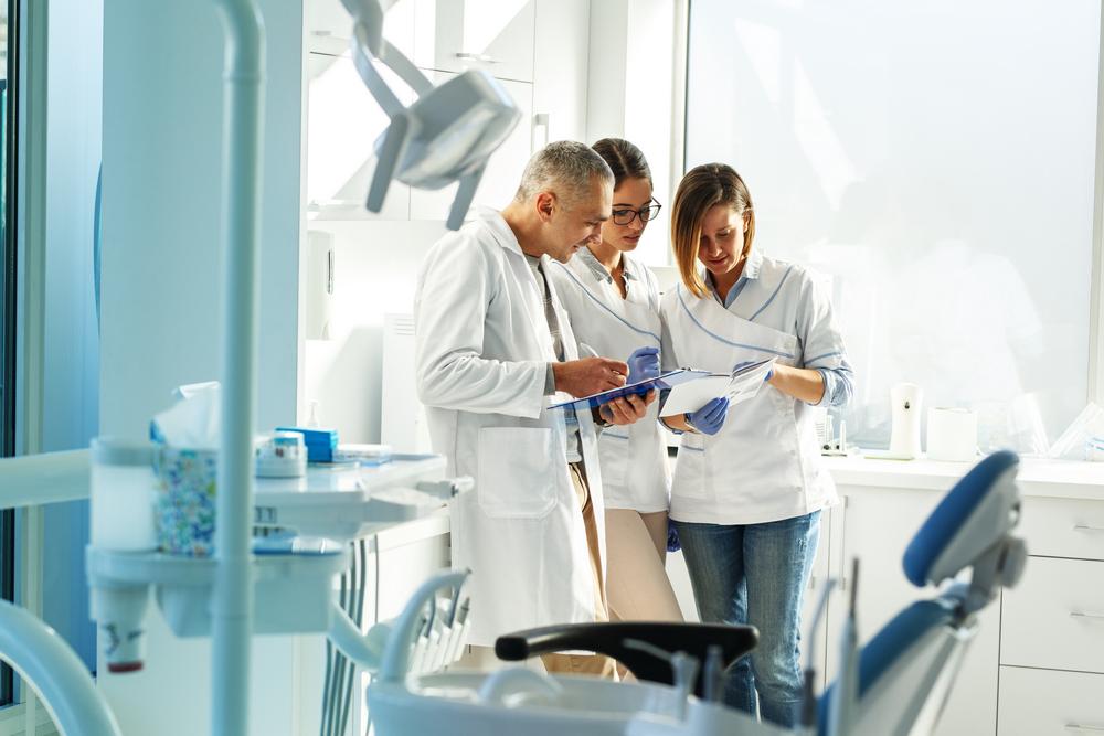 pacienti clinica stomatologica, promovare clinica stomatologica, marketing clinica stomatologica